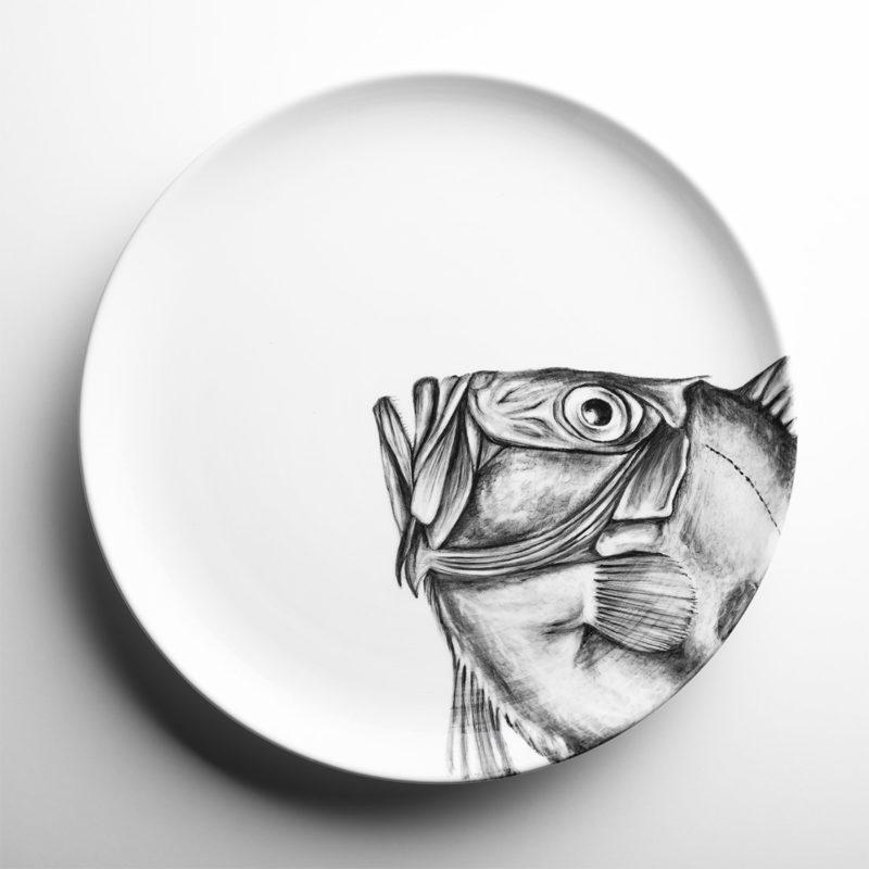 Piatto in ceramica dipinto a mano