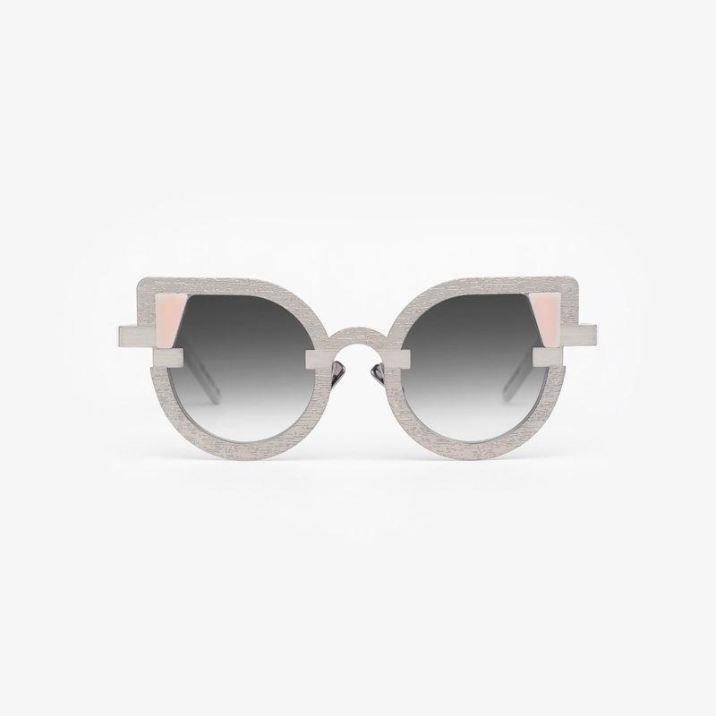 Foto occhiali su sfondo bianco per ecommerce