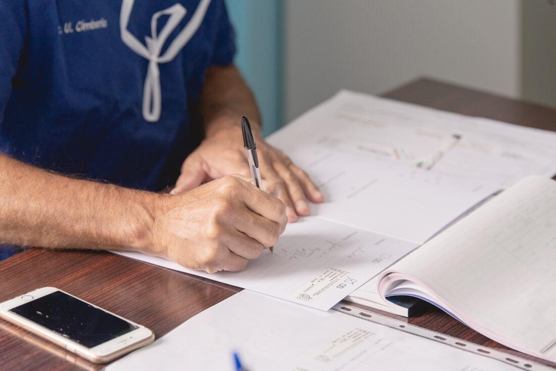 foto medico oculista in ambulatorio